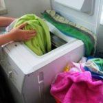 Cách làm mới quần áo cũ